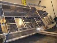 houseboat manufacturer