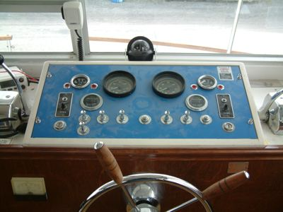 Chris Craft Houseboat dash helm