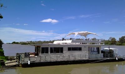 Australia Houseboats - the Liba One at Rosewarnes Mooring