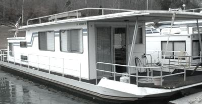 A Sumerset Houseboat - steel hull repairs and painting?