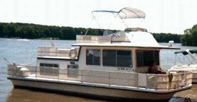 Gibson Houseboats are a very popular Houseboat.