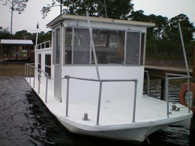 Classic Houseboats - older brands, models, or makes of boats?