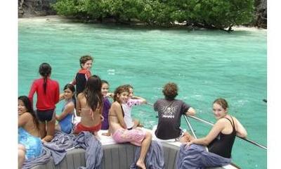Family Living on Houseboats Full-Time?