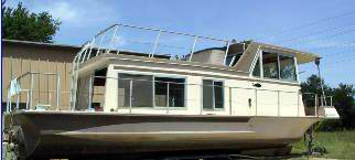 A typical Nautaline Houseboat