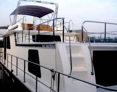 Gibson Houseboats - excellent exterior accessibility boats