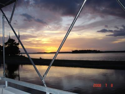 Gibson Houseboats - Upper deck at sunset