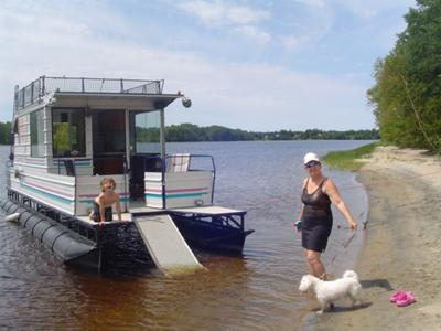E A A D E C A F Ed in addition Inspire Houseboat likewise Homemade Houseboats Enjoying A Great Home Built Pontoon Boat further Cb B E D Fcd B B A Floating House Houseboats besides . on small pontoon houseboats for sale