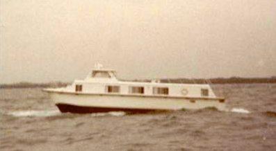 Catamaran Houseboats - training, experience and handling.