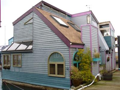 Vancouver Harbour, BC - Floating homes, or houseboats?