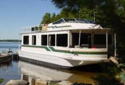 rent a houseboat