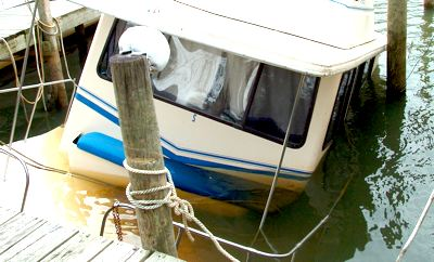 House Boat Sinking - Flooded and Sunken Houseboat