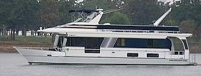 Monticello River Yacht Houseboats - a fine boat for cruising