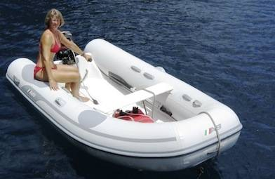 Houseboat Dinghies - inflatable dinghy and motor