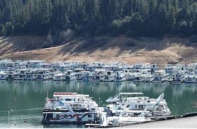 Houseboating on Lake Shasta, California