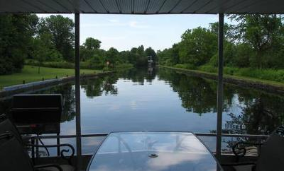 Discover Houseboating - with the Boating 101 Guide.