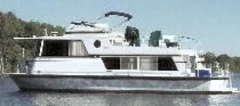 Are Marinette houseboats built fully out of aluminum?