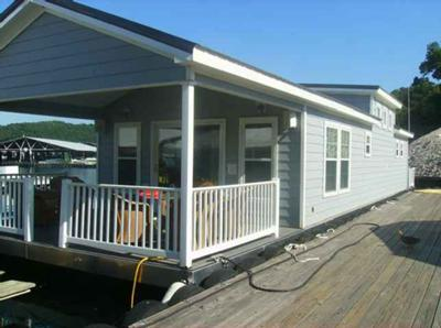 Living on floating home type houseboats for Cost to build a house in maryland