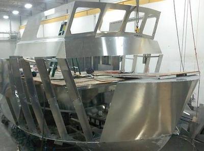 Sample of building a custom aluminum houseboat