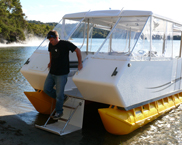 A new 20 foot Pontoonz Weekender houseboat for weekends.