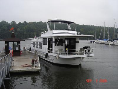 The 60 foot Hilburn houseboat