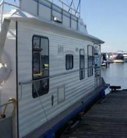 Railing Catwalk Houseboat Designs