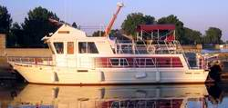 Steel Displacement Houseboat Designs