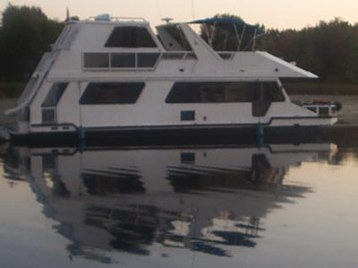 The Dream - a custom designed Three Buoys houseboat