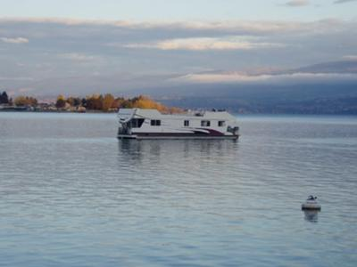 Houseboat Living - We live on our house boat dream home.