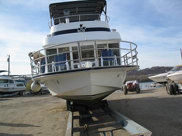 Tucker Houseboats - classic well built boats