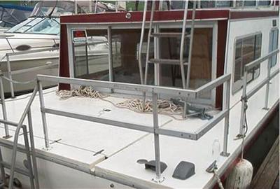 Typical rear deck of a Gibson houseboat