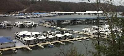RVing USA - the RV Road Trip all about Houseboats! <br>Can you guess where this popular houseboat area is?