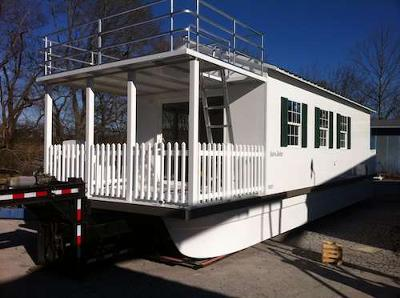 Houseboat Manufacturers - do you know what brand boat?