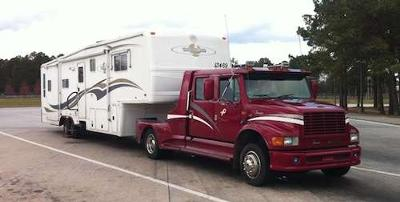 Pic #3 - Big Trucks for Pulling RV Trailers