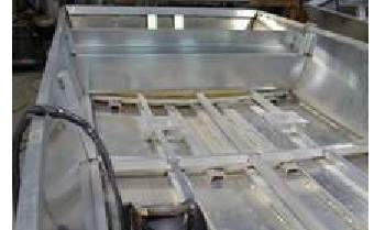 Any Custom Aluminum Houseboat Hull Manufacturers?