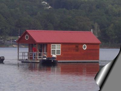 Who makes floating pontoon style cabin houseboats?