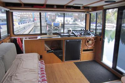 Pilot house of the houseboat