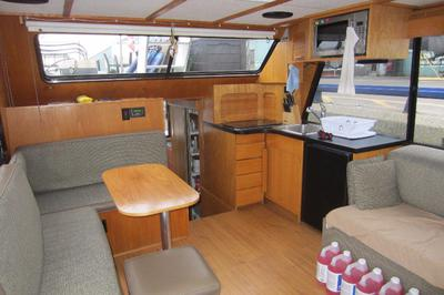 The salon of the 40ft houseboat