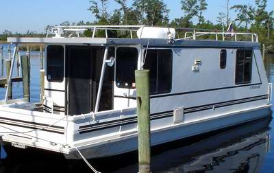 Catamaran Aqua Cruiser Houseboats