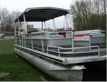 A typical Harris Flote Bote pontoon boat