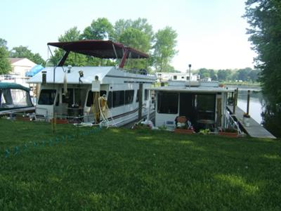 Our Houseboats that we Live On and Vacation on All Year!