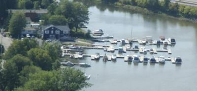 Houseboat Marina For Sale - Marina Allard, L'ile Perrot, Qc