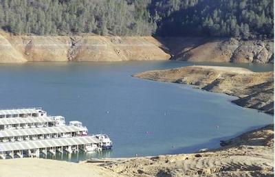 Plenty of areas to houseboat on Shasta Lake