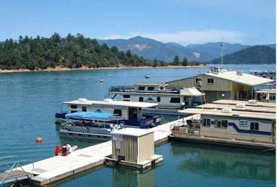 Shasta Lake in California, a houseboating paradise