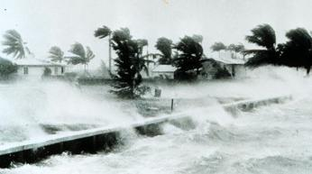 Houseboat and Hurricanes - move or transport to safety?