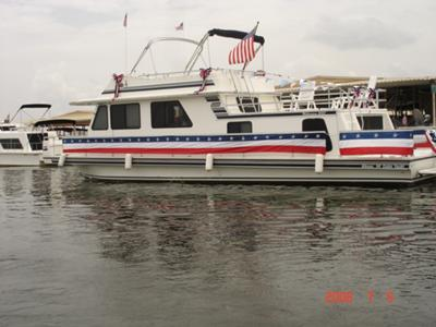 Houseboating Texas Style - houseboat ready for 4th of July