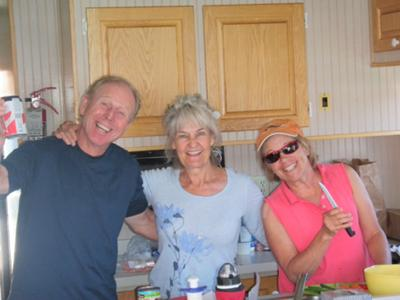 Houseboat Photos - some real Happy Campers