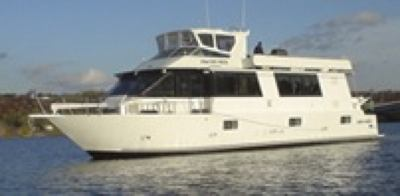 Our Skipperliner houseboat with steel hull rust issues.