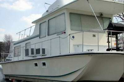 Classic Sea Rover Houseboats