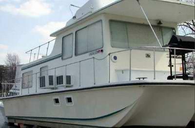 Classic Sea Rover Houseboats