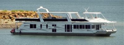 Sumerset Houseboats built in Somerset, Kentucky